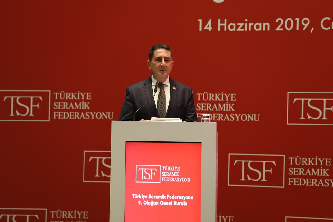 Türkiye Seramik Federasyonu Erdem Çenesiz'le devam kararı aldı